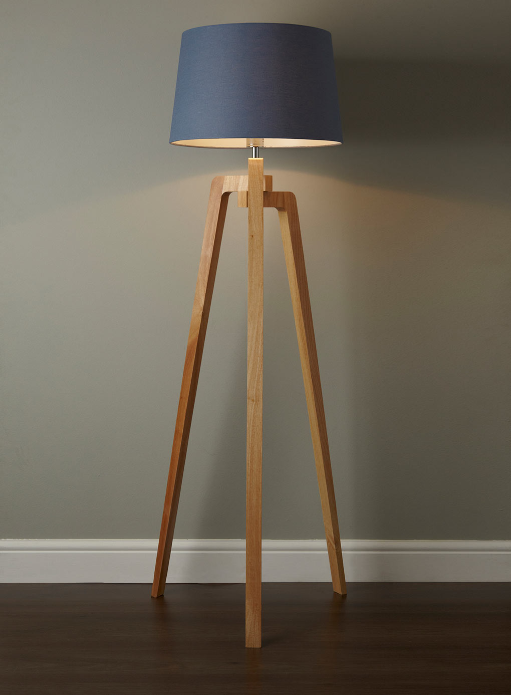 Awesome Tripod Lamp for Interior Lighting Ideas: Aerin Lamps | Tripod Lamp | Tripod Lamp Wood