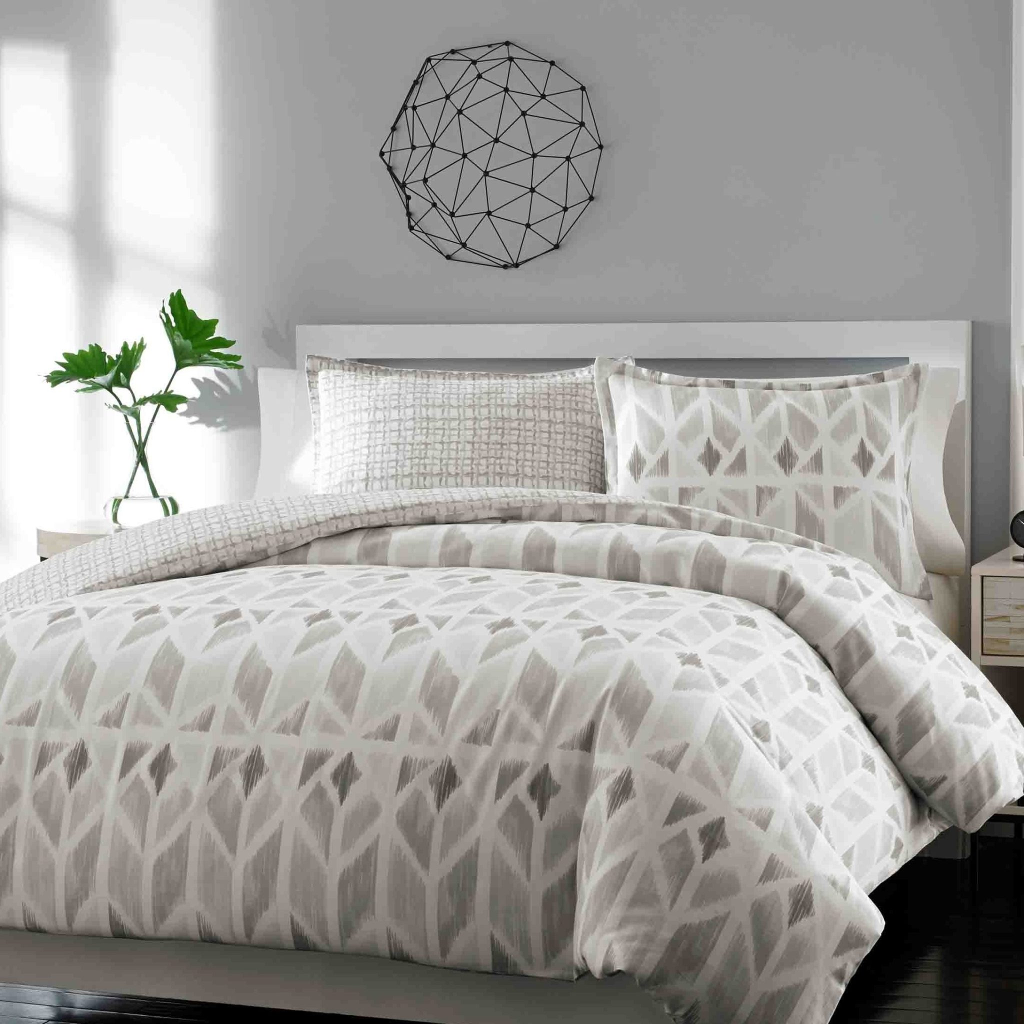 Bedroom Fascinating Bed Skirts Queen For Bedroom