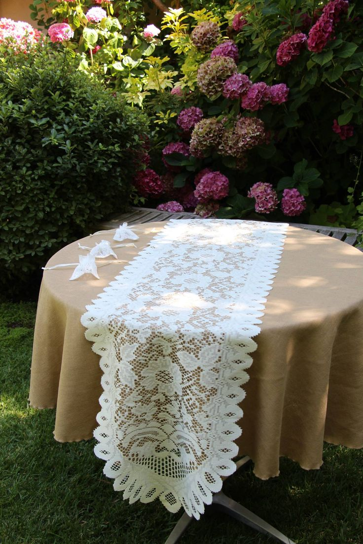 Buy Tablecloths | Old Lace Tablecloths | Lace Tablecloths