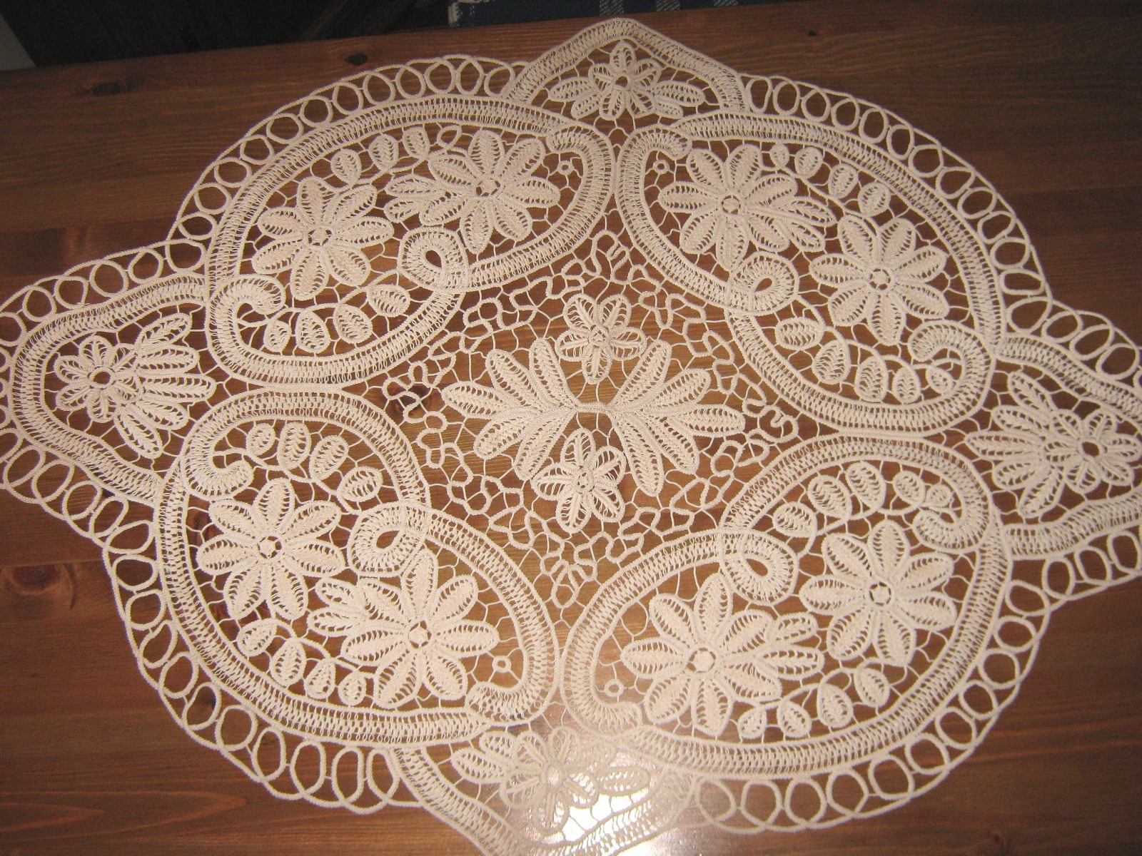 Cream Lace Tablecloth | Oval Table Cloth | Lace Tablecloths