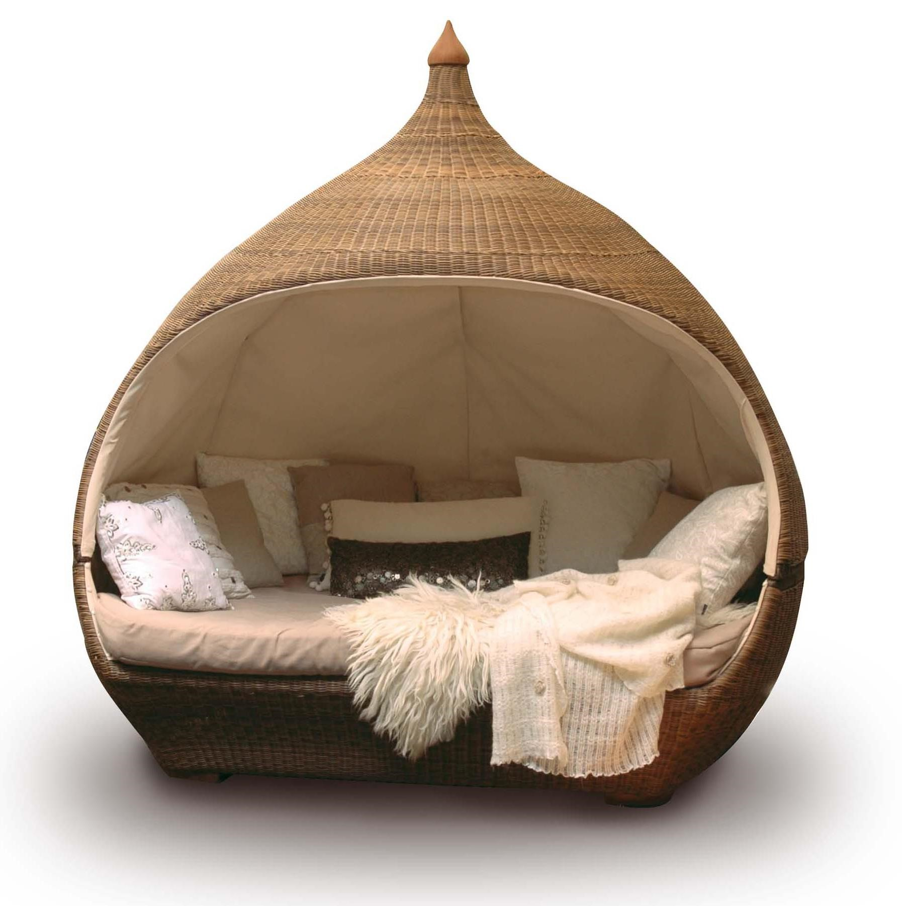 Furniture: Fill Your Home With Amusing Full Daybed For
