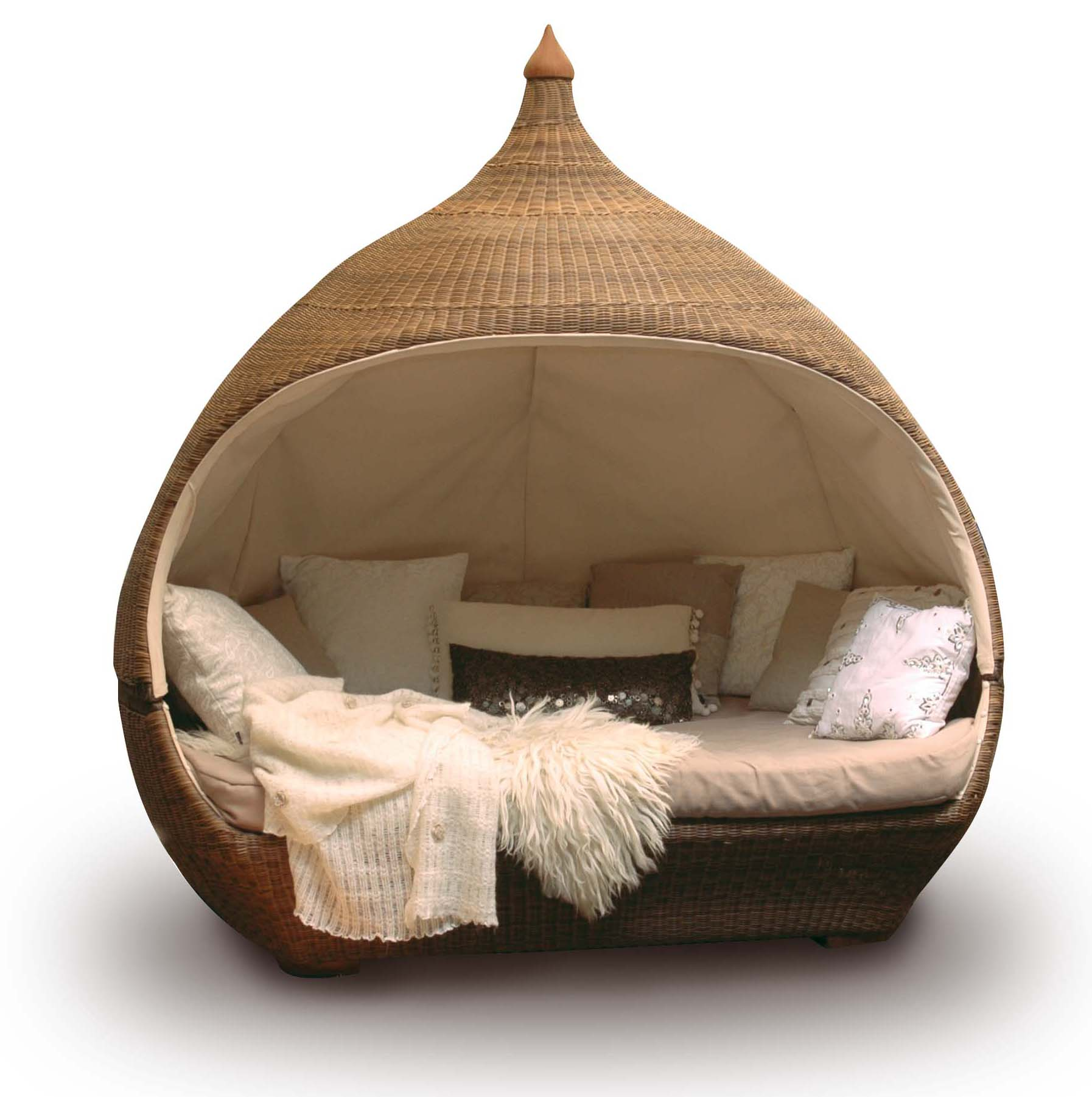 Furniture Fill Your Home With Amusing Full Daybed For