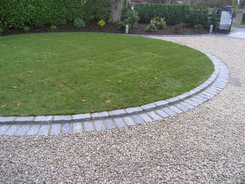 Edging Flower Beds | Landscape Timber Edging Ideas | Landscape Edging Ideas
