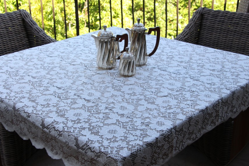 Extra Long Tablecloth | Lace Tablecloths | Oval Lace Tablecloth