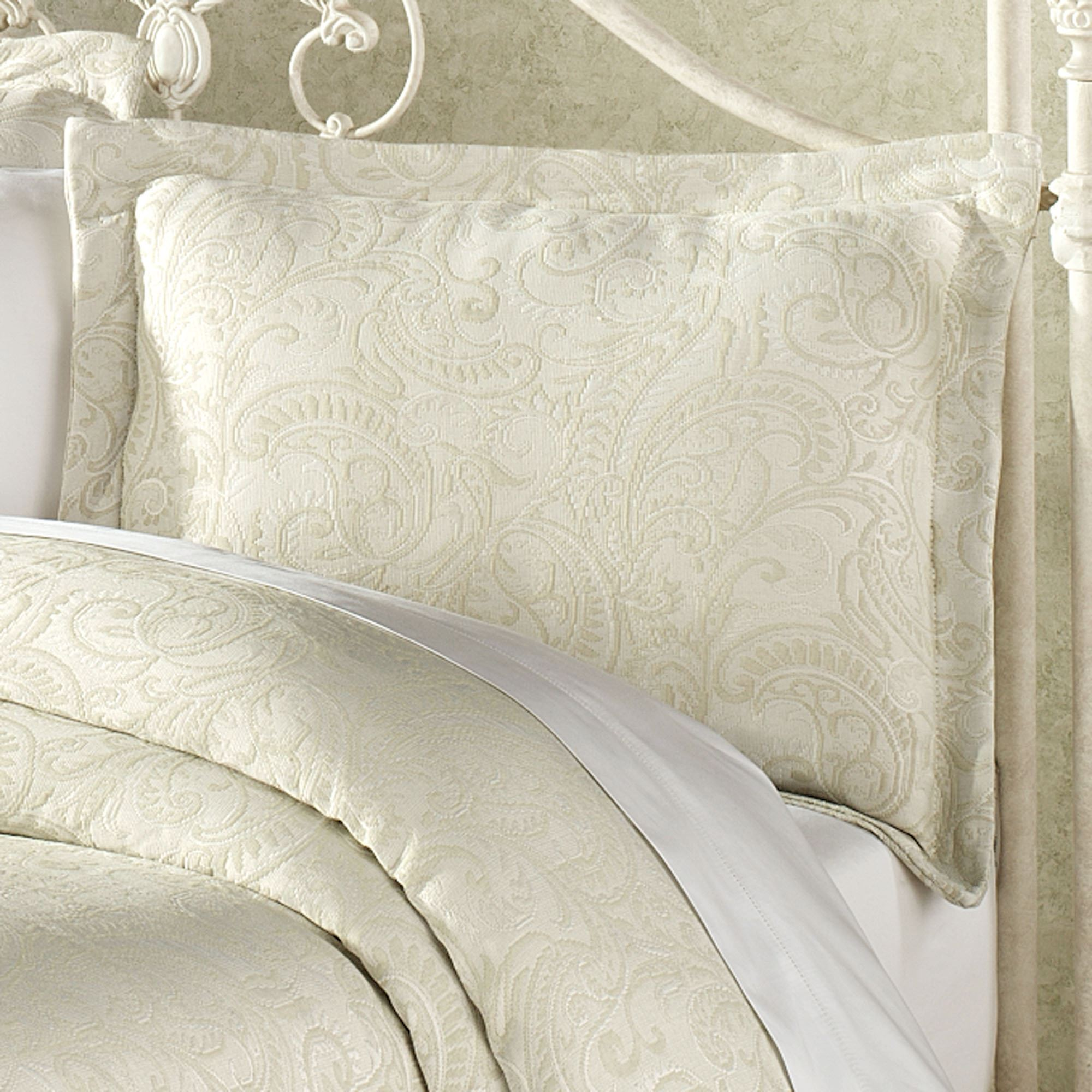 Frontgate Bedding | Matelasse Bedspreads | Chenille Blankets