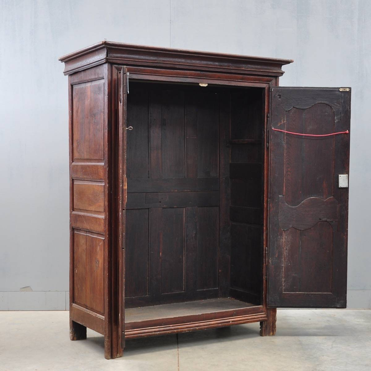 bassett armoire bassett mirror company u2013 collette mirrored jewelry armoire borghese. Black Bedroom Furniture Sets. Home Design Ideas