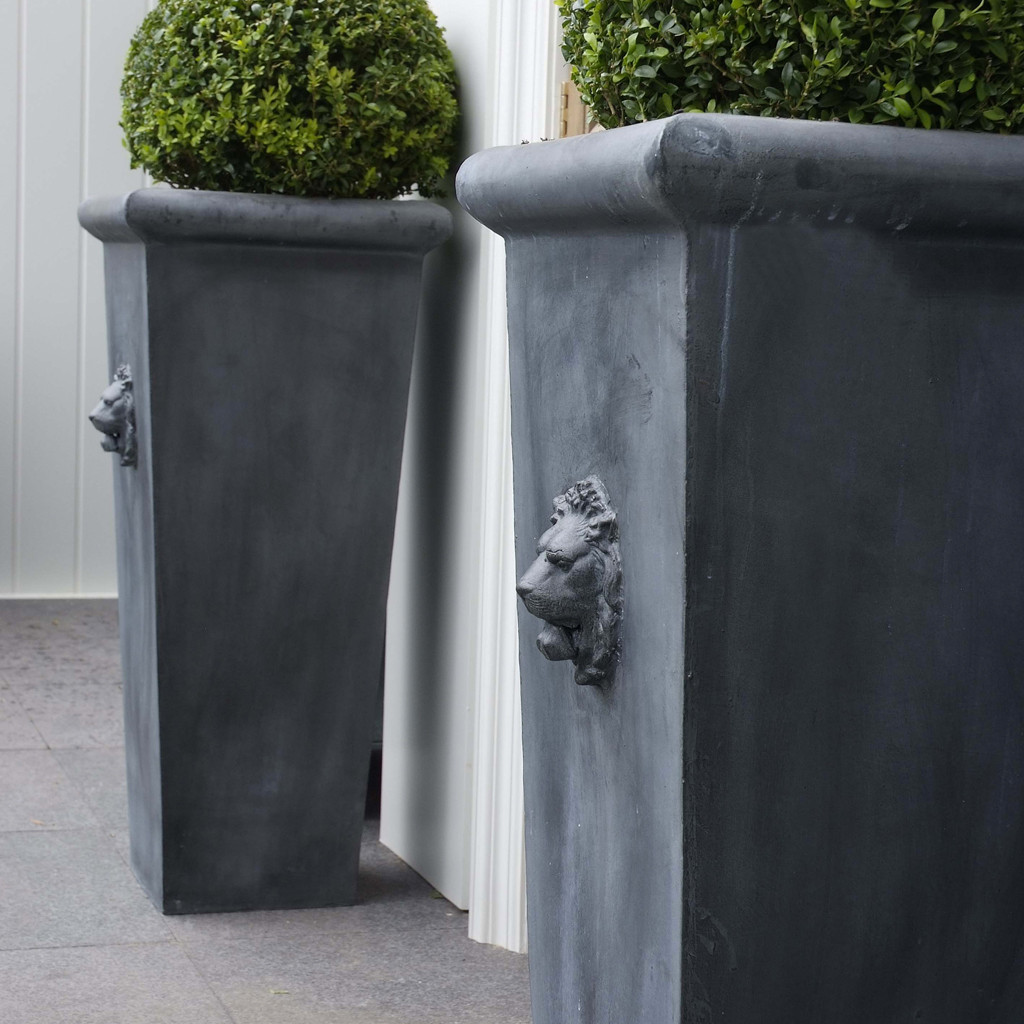Decor fabulous tall planters for cool garden decoration for Outdoor home accessories
