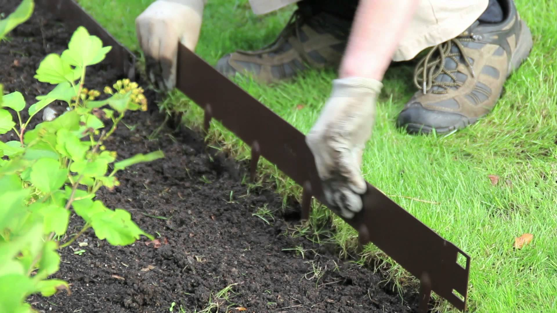 How to Install Metal Landscape Edging | Metal Landscape Edging | Landscape Edging Options
