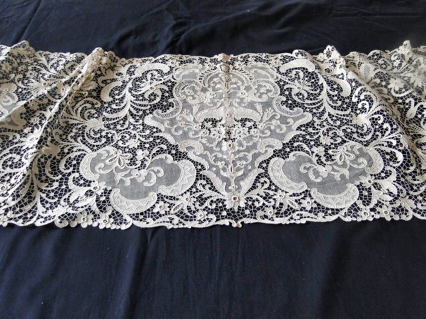 Lace Table Runners | Purple Table Runners | Maroon Table Runners