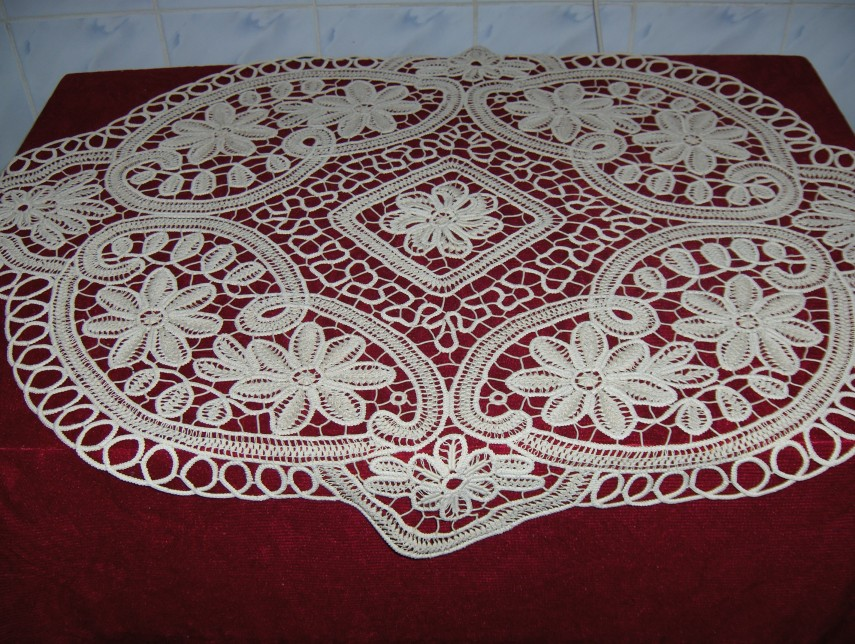 Lace Tablecloths | Irish Lace Tablecloth | Antique Lace Tablecloths