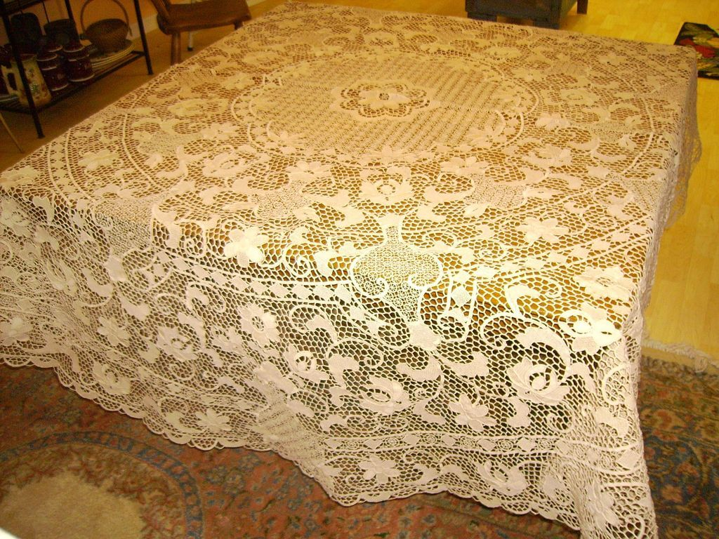 Lace Tablecloths | What Size Tablecloth for 60 Inch Round Table | Extra Large Tablecloths