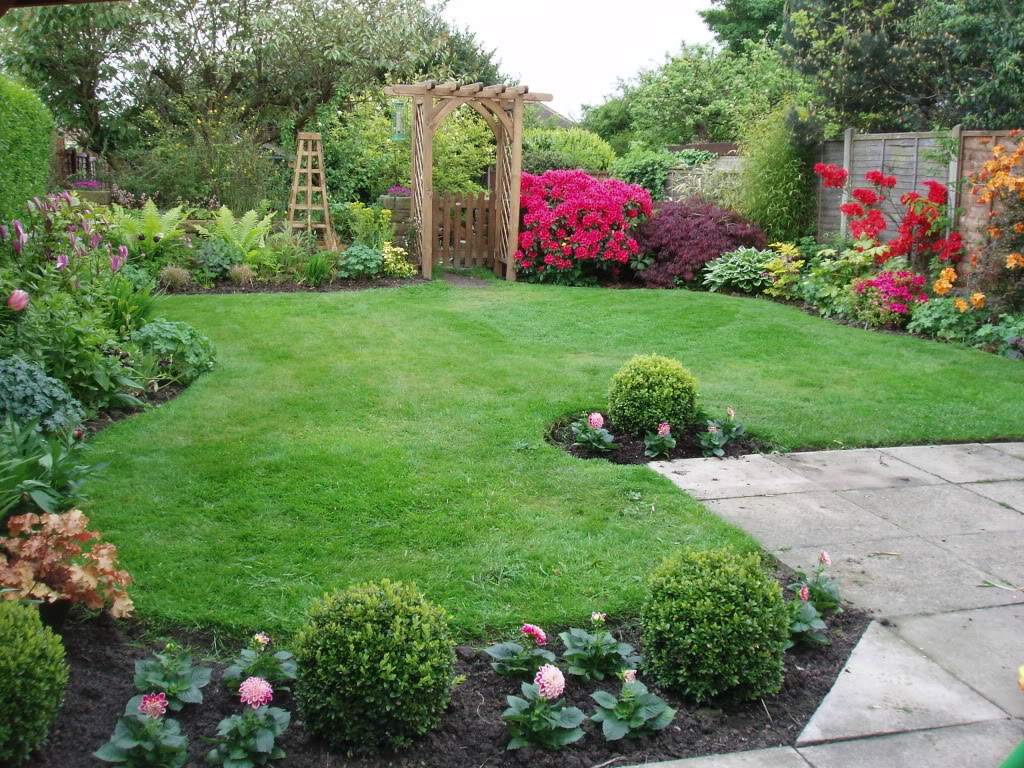Landscape Edging Ideas | Rubber Landscape Border | Edging Stones for Landscaping