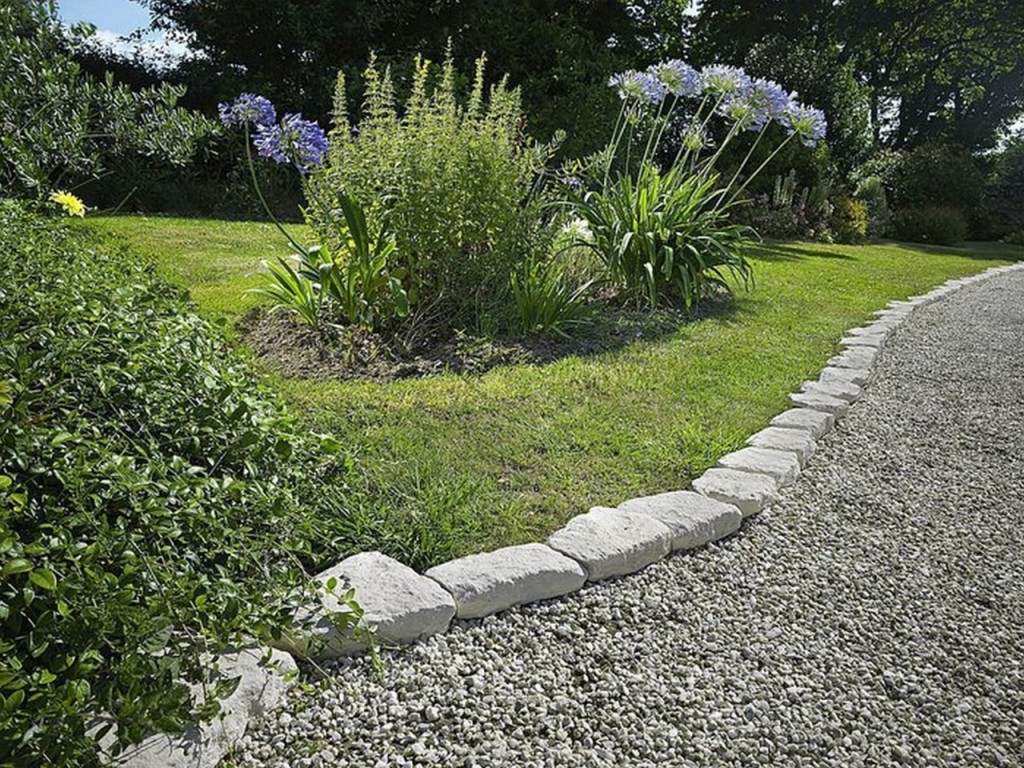 Decor cheap landscape border landscape edging ideas for Stone landscaping ideas