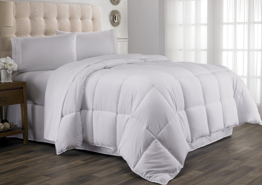 Summer Down Comforter | Pacific Coast Comforter | Pottery Barn Down Comforter