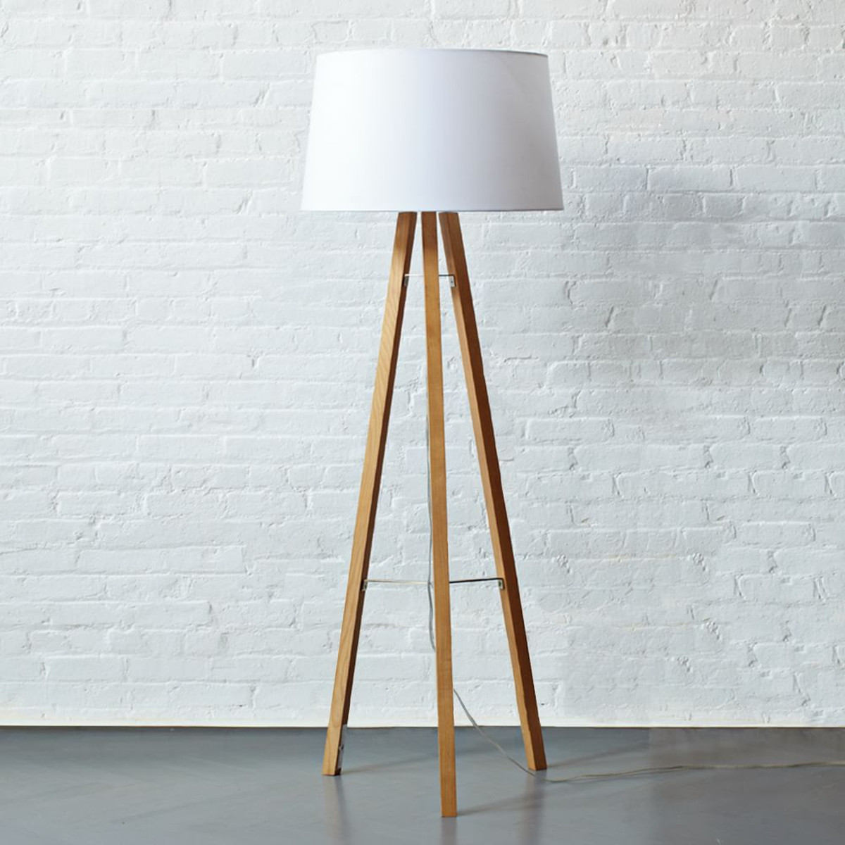 Tripod Lamp | Studio Tripod Lamp | Wood Tripod Lamp