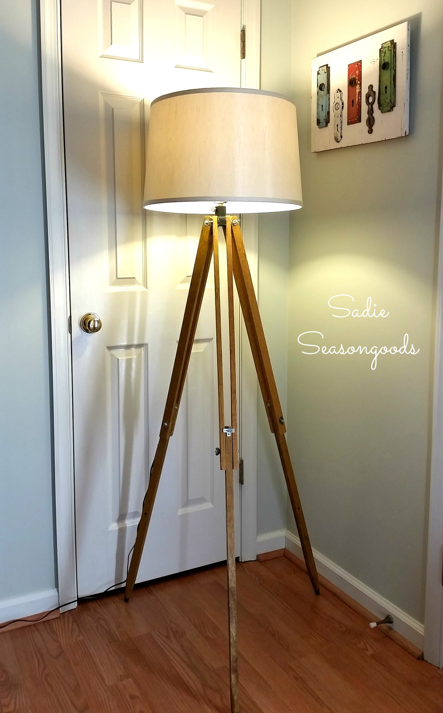 Awesome Tripod Lamp for Interior Lighting Ideas: Tripod Wood Floor Lamp | Floor Tripod Lamp | Tripod Lamp
