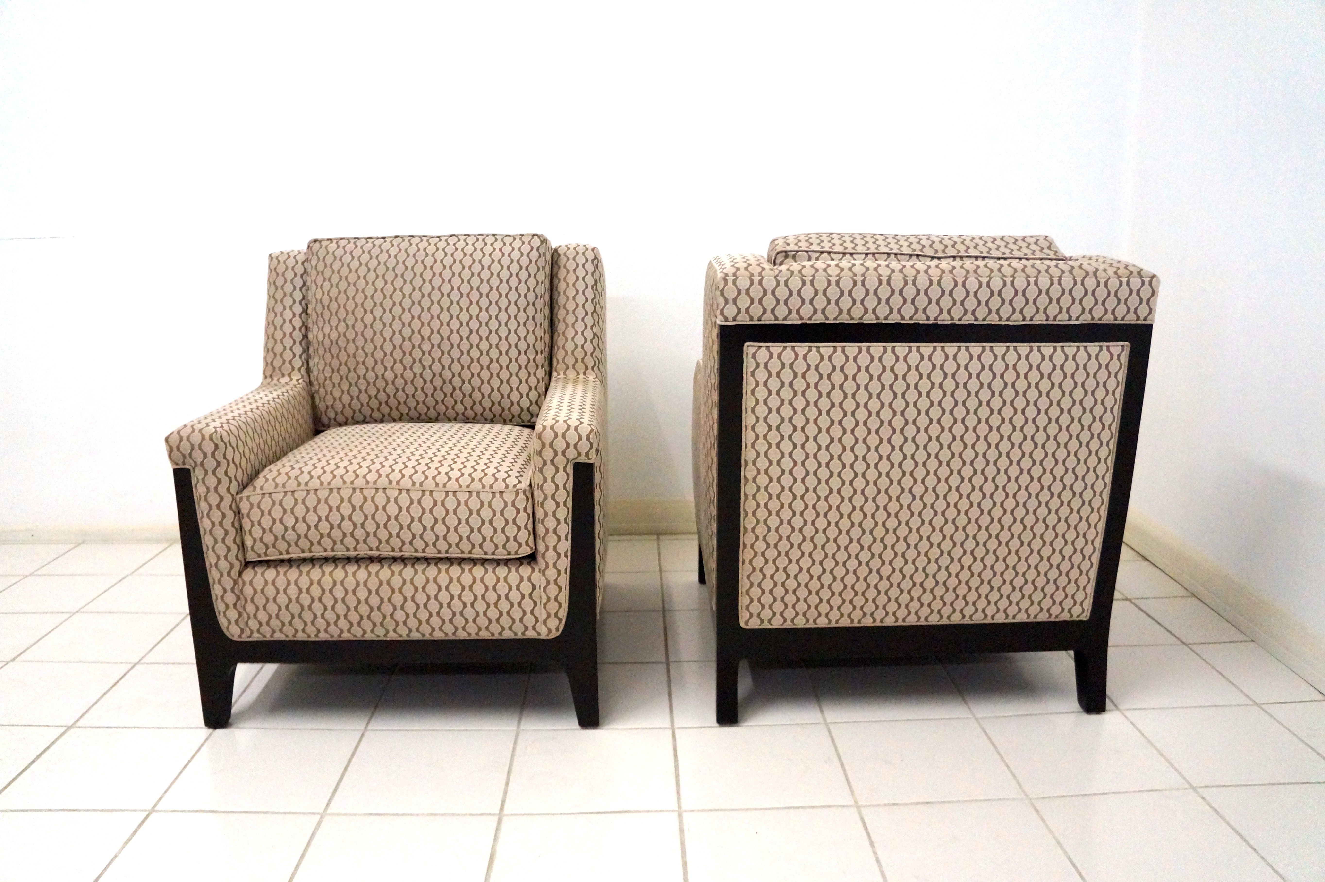 Furniture: Armless Accent Chair