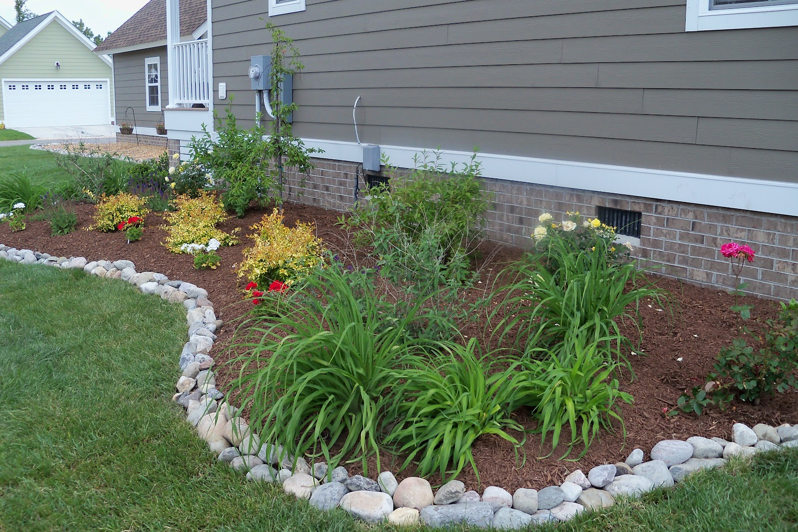 Yard Edging | Wood Landscape Edging | Landscape Edging Ideas